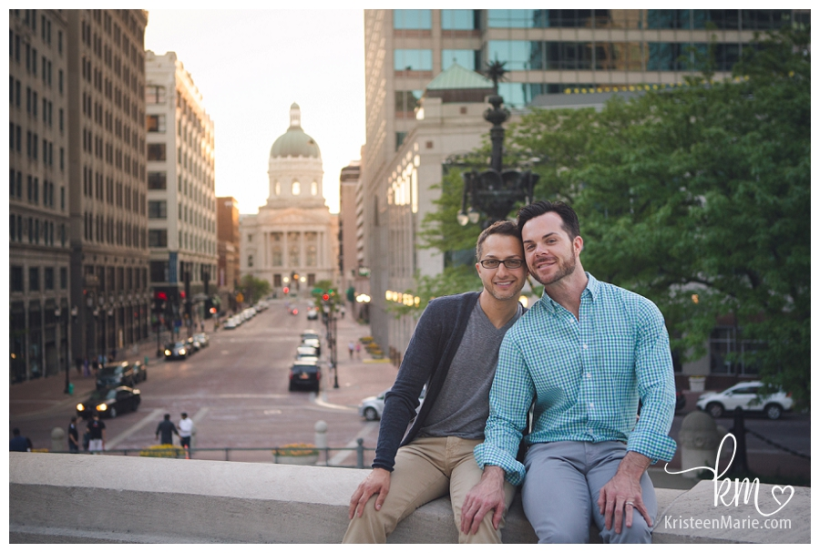 Downtown Indianapolis engagement picture