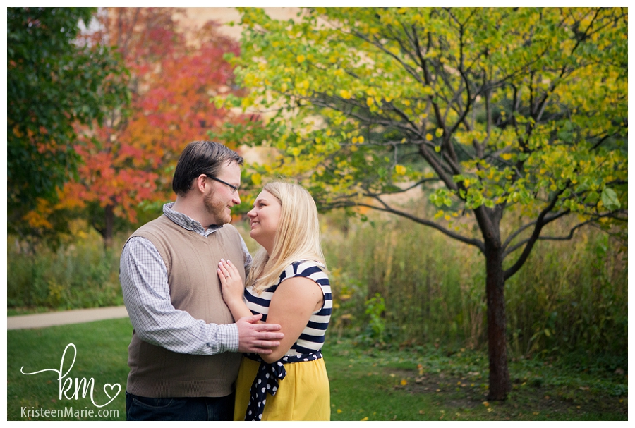 Downtown Indianapolis Fall Engagement Photography