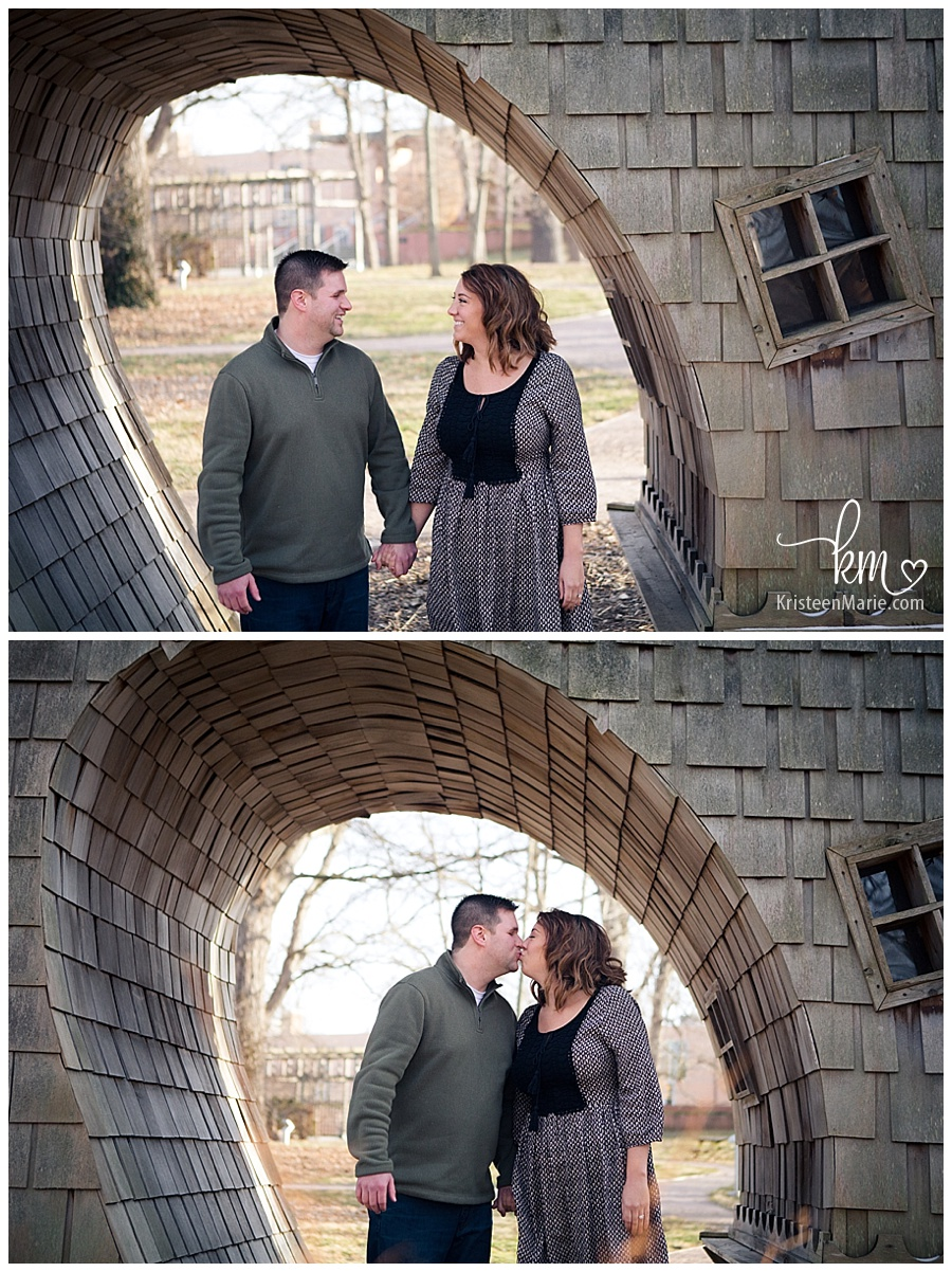 Indianapolis Art Center in Broadripple  -  Engagement and Wedding Photography