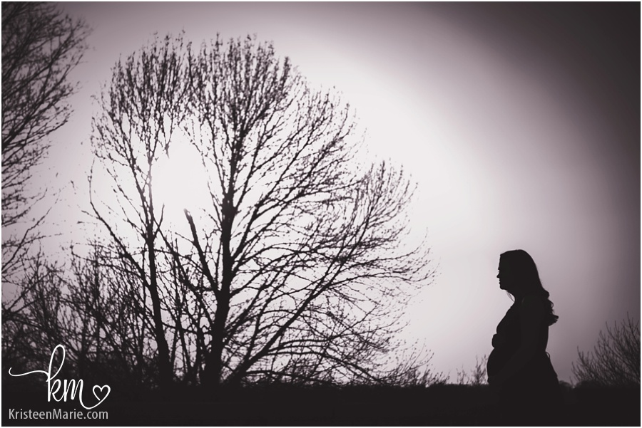 maternity pictures silhouette