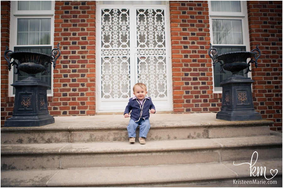 Outdoor child pictures in Carmel, IN