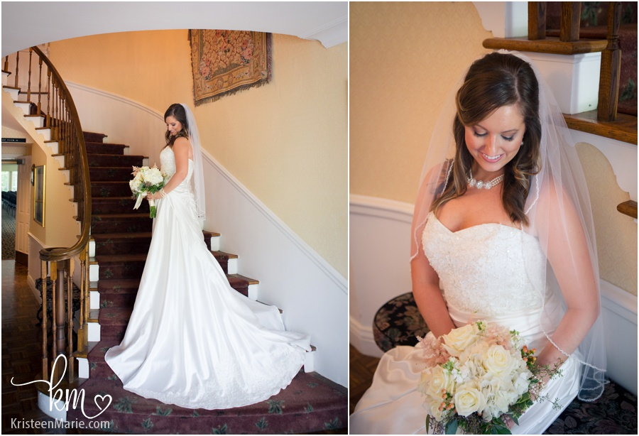 wedding on staircase at Oak Hill Mansion