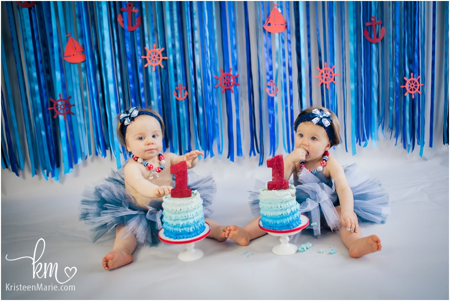 Twin girl cake smash - Indianapolis birthday photography