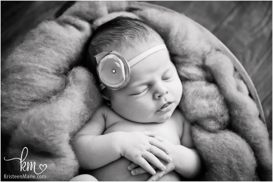 Mccordsville, Indiana newborn photography by KristeenMarie