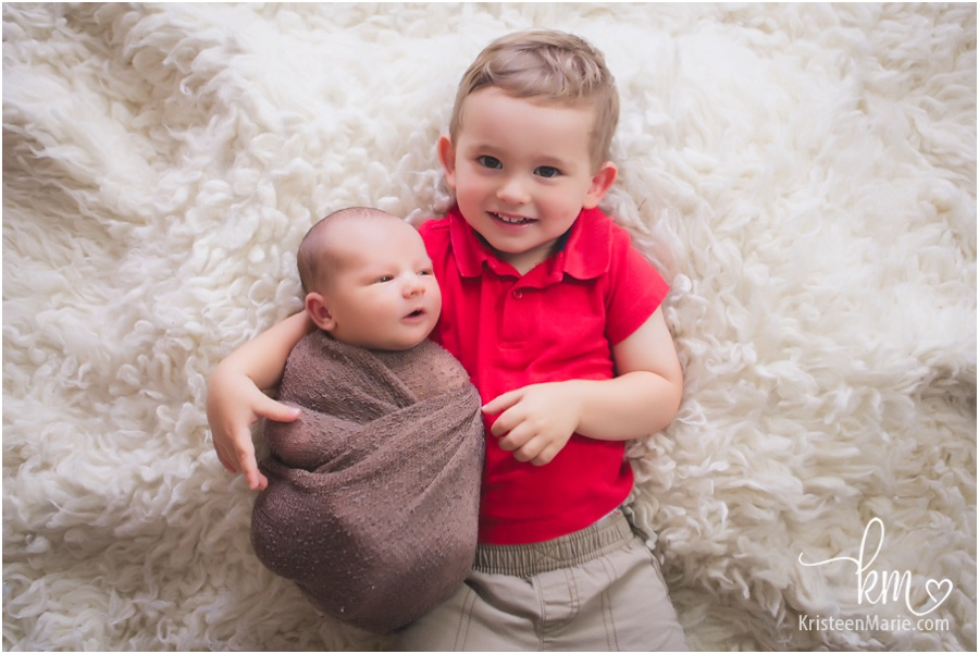 Noblesville Newborn Photography - siblings