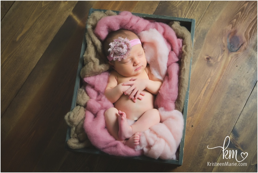 rustic newborn photographer in Indianapolis, Indiana