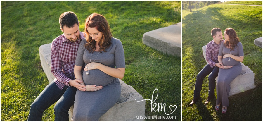 sitting maternity pictures