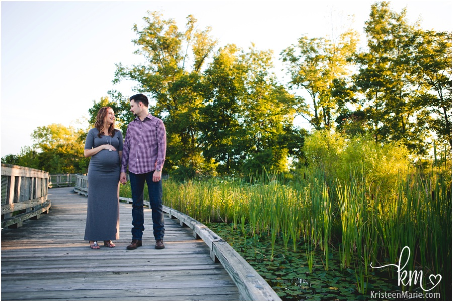 expecting copule - outside maternity image - Carmel - Indiana