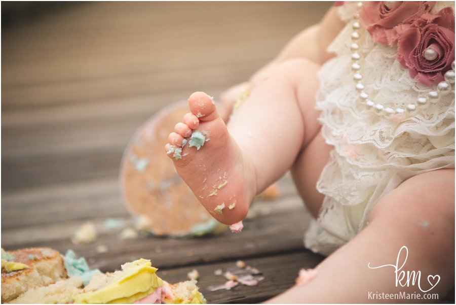 messy baby foot