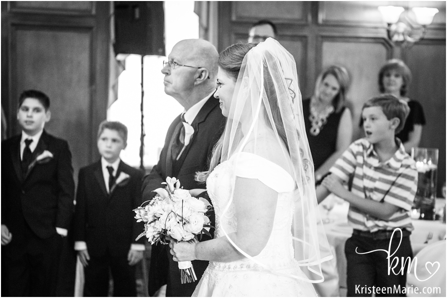 dad walking bride down the isle