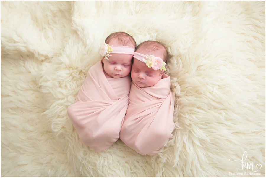 Indianapolis twin newborn photographer