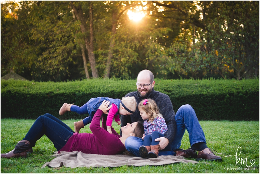 family outfits for outdoor photography session