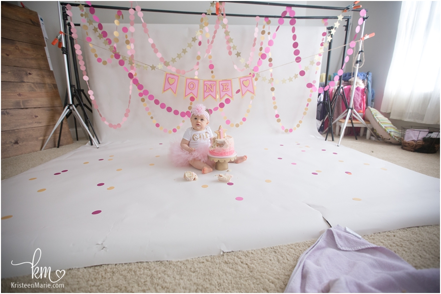 behind the scenes of 1st birthday cake smash session