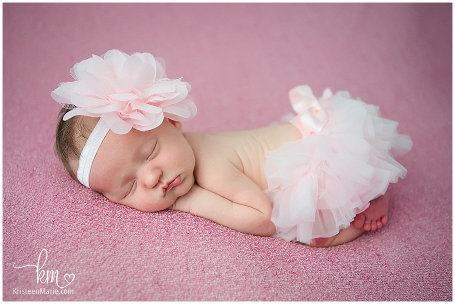 little newborn baby princess with large bow headband/ newborn baby tutu