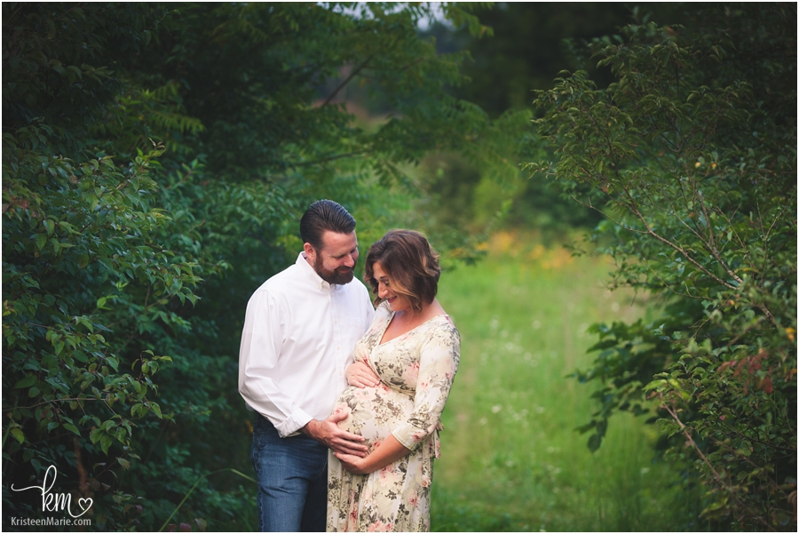 Maternity photography in Indianapolis, Indiana