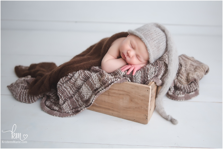 Newborn photographer in Carmel, Indiana