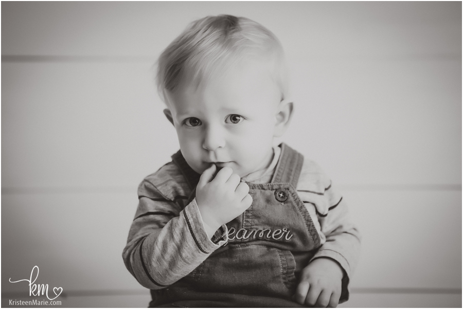 picture of one-year-old in black and white