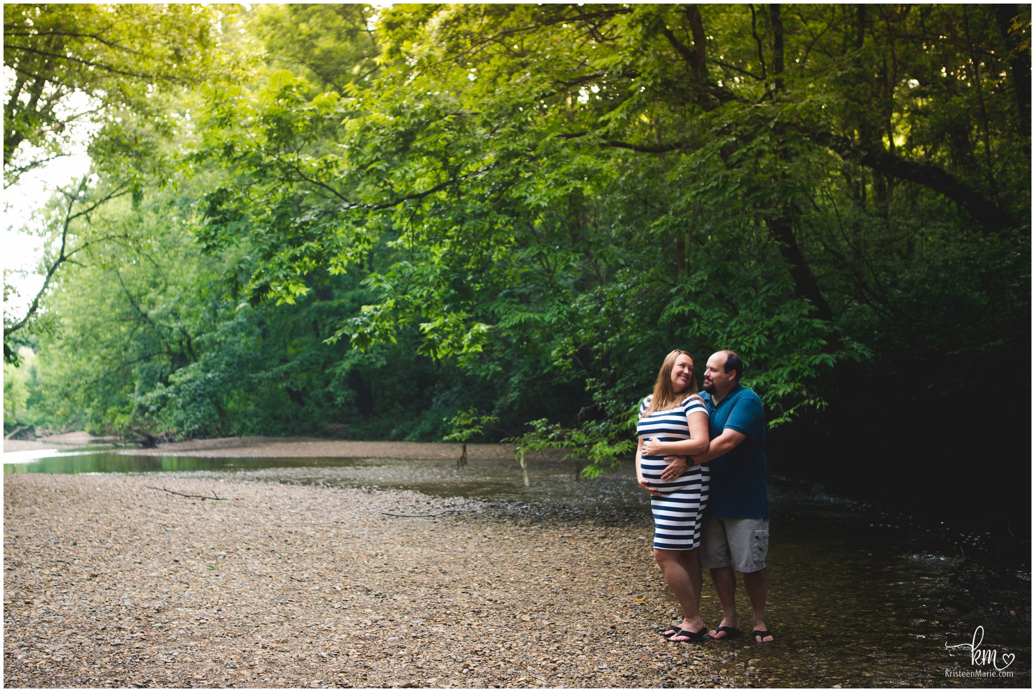 maternity pictures at creek