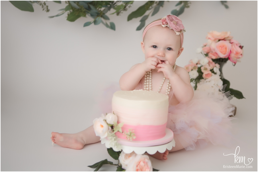 floral cake smash photography session - Indianapolis photographer
