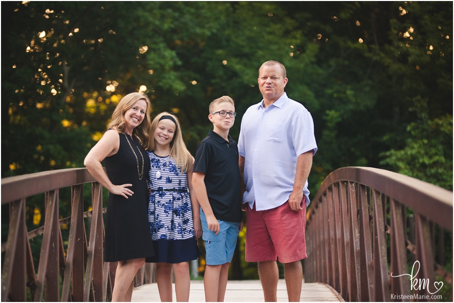 Family pictures on a bridge in Indianapolis