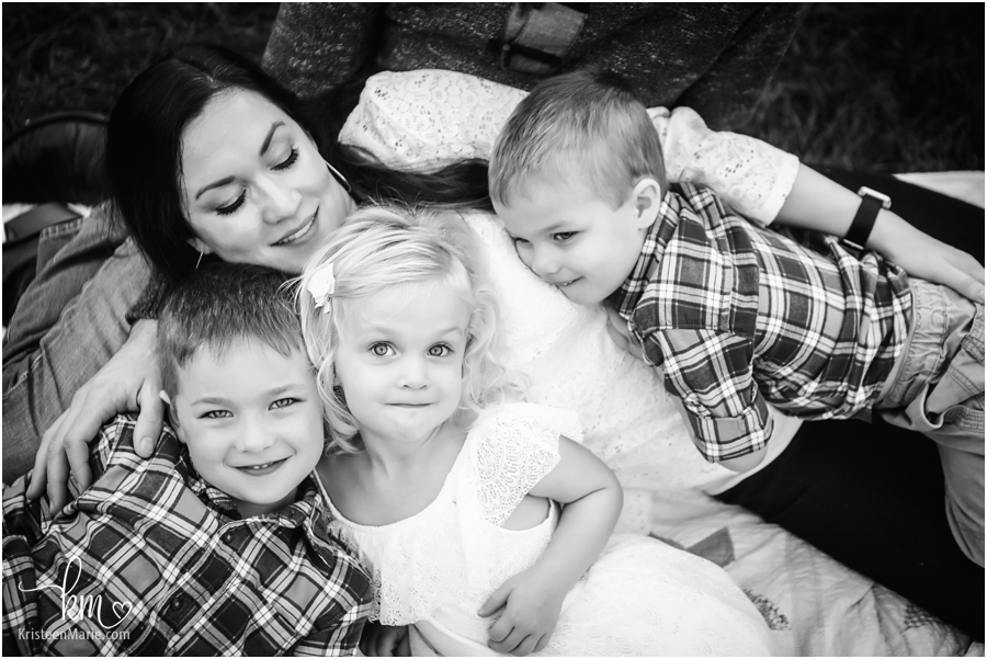 Mama and her babies - Indianapolis family photography in black and white