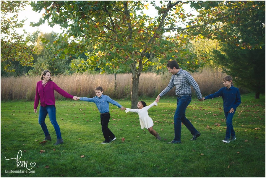 family interacting at Indianapolis family session
