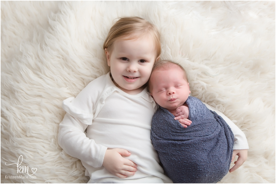 newborn picture with siblings - brother and sister