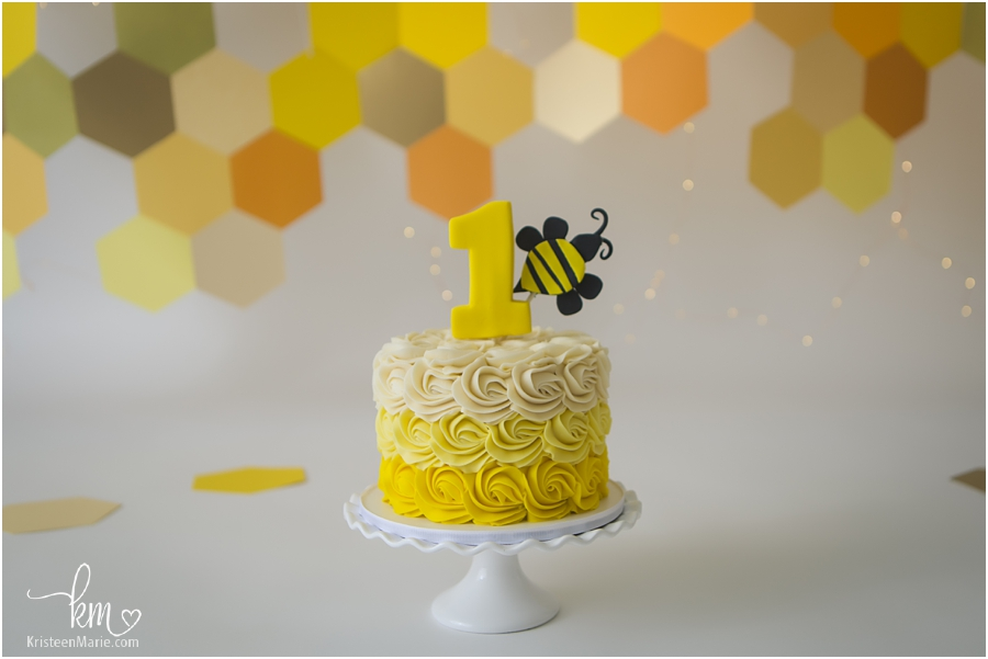 1st birthday cake - bee themed - yellow and orage with twinkle lights