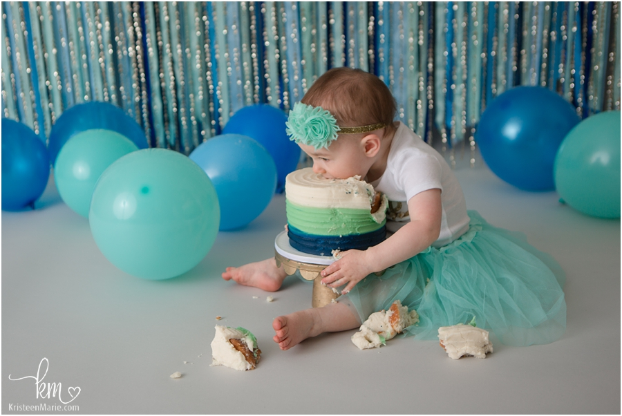 eating cake - Indianapolis photographer
