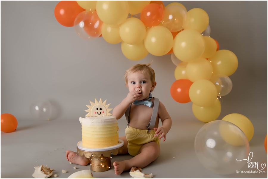 You are my sunshine 1st birthday cake smash