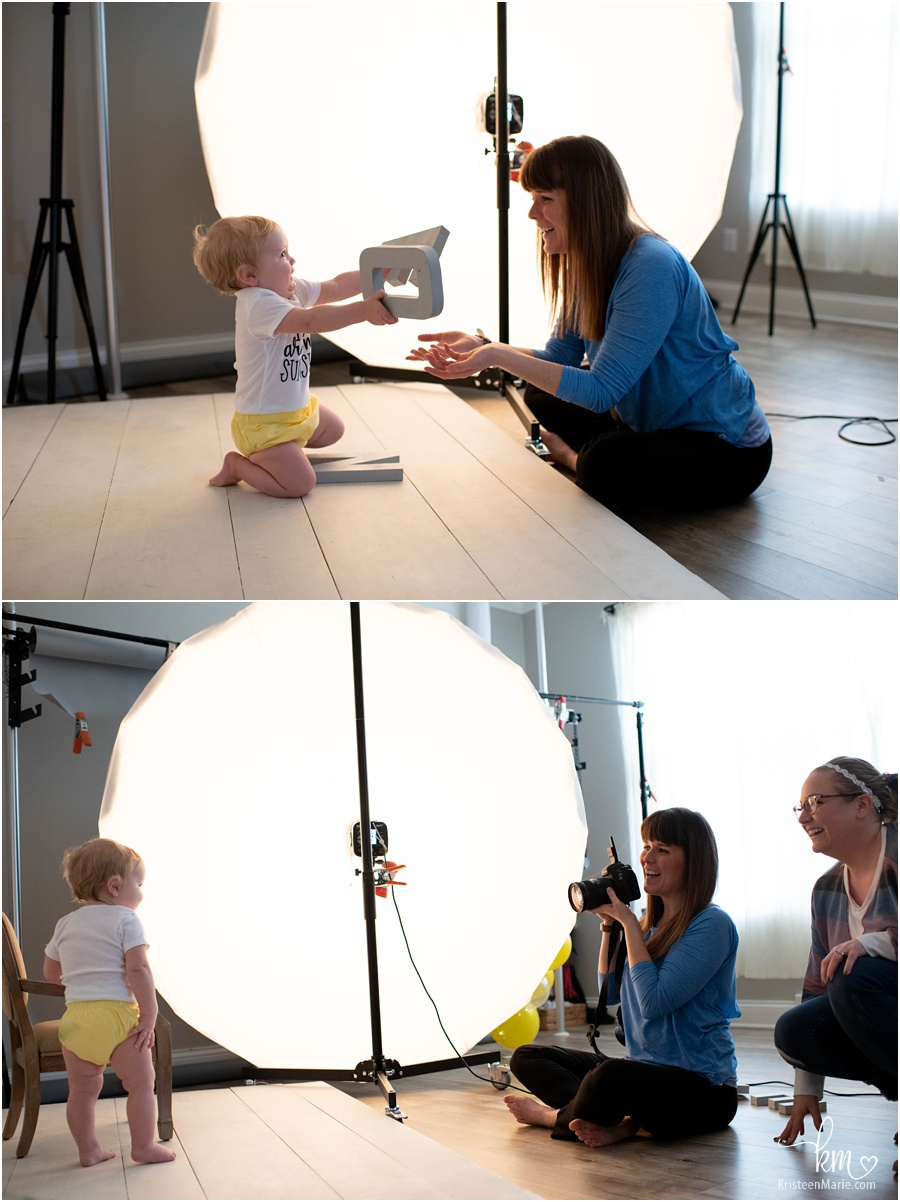 behind the scenes image of child portrait session