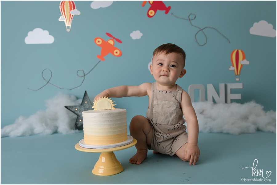 air plane and clouds 1st birthday cake smash