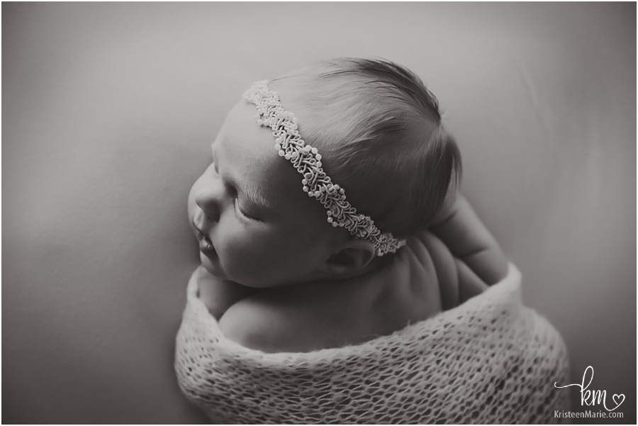 BW image of newborn