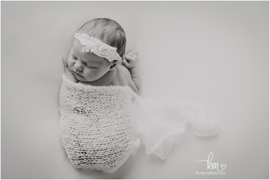 black and white newborn photography image
