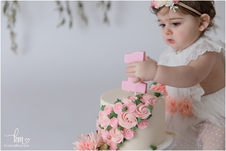 pink floral cake topepr